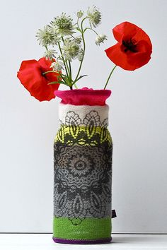 Stunning vase cosy by Erica Hogenbirk - I want!  #knithacker #waybackhack #knit #knitting