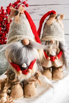 These DIY Farmhouse Gnomes with Boots from Socks are CUTE! Ruffles and Rain Boots – Simple crafts for adults, kids, and the home. The post These DIY Farmhouse Gnomes with Boots from Socks are CUTE! appeared first on Crafts. Hobbies To Try, Hobbies For Women, Hobbies And Crafts, Arts And Crafts, Diy Home Crafts, Holiday Crafts, Easy Crafts, Crafts For The Home, Cute Diy