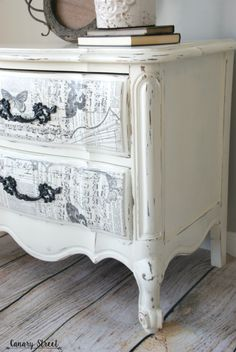 Gorgeous French nightstand painted with Annie Sloan chalk paint, plus an easy technique to create unique drawer fronts. Decoupage Furniture, Chalk Paint Furniture, Hand Painted Furniture, Distressed Furniture, Refurbished Furniture, Repurposed Furniture, Furniture Projects, Rustic Furniture, Furniture Makeover