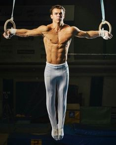 Boys Gymnastics, Olympic Gymnastics, Ideal Male Body, Mens Compression Pants, Male Gymnast, Gym Outfit Men, Muscle Beach, Athletic Men, Shirtless Men