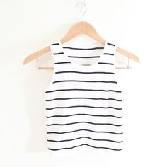 Brandy Melville Top Really simple but cute top ! Brandy Melville Tops Tank Tops