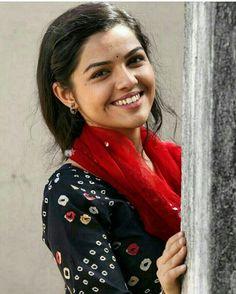 480 Best Marathi actresses images in 2019   Indian beauty, Kashta