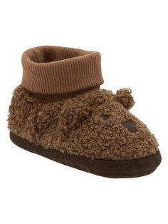 Adorable baby bear slippers from Baby Gap Toddler Boy Fashion, Toddler Girl Outfits, Kids Outfits, Cute Kids, Cute Babies, Bear Slippers, Baby Bug, Baby Girl Shoes, Newborn Outfits