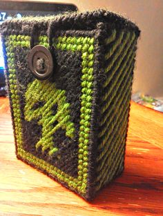 Magic the Gathering Deck Holder made by Lynzie