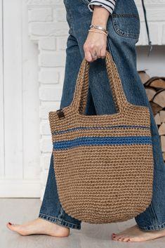 Crochet Beach Bags, Crochet Shoes, Jute Tote Bags, Wicker Purse, Crochet Basket Pattern, Crochet Handbags, Market Bag, Knitted Bags, Crochet Fashion