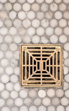 The Art of Choosing the Best Shower Drain - At the core of every great shower design is a great shower drain. Drains do more than look pretty — the good ones can deliver on both style and function. But, how do you choose the best shower drains for you? Shower Fixtures, Brass Bathroom Fixtures, Bathroom Hardware, Home Hardware, Haus Am See, Penny Tile, Shower Drain, Shower Floor, Master Bath Remodel