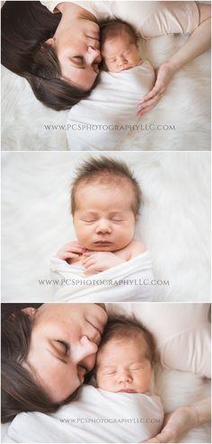 Natural Light Newborn Photography | Newborn Posing | Newborn Inspiration | Baby Photography | Simple Mother and Baby