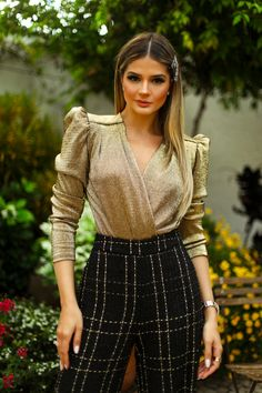 Couture Fashion, Hijab Fashion, Work Fashion, Fashion Dresses, Fashion Design, Chic Outfits, Trendy Outfits, Crop Top Outfits, Evening Outfits