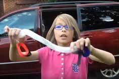 Show! Menina de 9 anos cria dispositivo para não esquecer bebê no carro