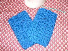 Shell Stitch Fingerless Gloves - Home made hats