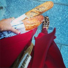 Uberta in Paris - print, and a baguette! A classic combination! Leopards, Pepperoni, Baguette, Nailart, Paris, Live, Classic, Travel, Beauty
