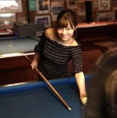 亀梨和也主演ドラマ『FINAL CUT』(関西テレビ・フジテレビ系)で事件の鍵を握る姉妹の妹・小河原若葉(22歳)役を務める橋本環奈。アイドルグループRev. from DVL時代にファンが撮った「奇跡の一枚」が拡散して注目を集めたのは中学3年生頃だ。現在19歳となる彼女が演じる若葉は、当時とは違った大人の魅