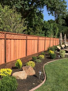 36 Fresh Backyard Design Ideas with Fences Can be Inspire