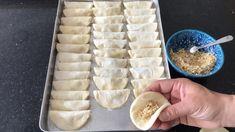Dilber Duda Baklava How To Make It At Home I explained with all the tricks bera🏻bera tatlidunyasi - Flowers Icebox Desserts, Köstliche Desserts, Delicious Desserts, Dessert Recipes, Pumpkin Crisp, Turkish Recipes, Ethnic Recipes, Bulgur Salad, Iftar