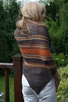 Mojave Shawl pattern by Paulina Popiolek