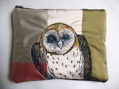 Tara Badcock PARIS+TASMANIA- QVMAG Collection purse, Peeking Owl