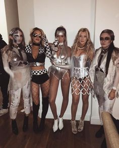 Awesome and Easy DIY Halloween Costumes for Teen Girls disfraces de halloween plateados y bril Halloween Outfits, Costume Halloween, Costume Disco, Halloween Costumes For Teens Girls, Costumes For Women, Group Halloween, Diy Halloween, Halloween Halloween, Sorority Halloween Costumes