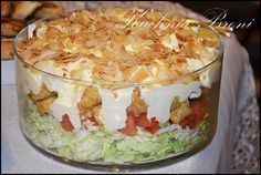 Sałatka warstwowa z serkiem feta Chicken Egg Salad, Salad Recipes, Dessert Recipes, Good Food, Yummy Food, Cooking Recipes, Healthy Recipes, Polish Recipes, Recipes From Heaven