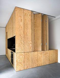 Arquitectura interior - inspiración e ideas Apartment Interior, Kitchen Interior, Plywood Design, Plywood Interior, Transforming Furniture, Compact Living, Space Saving Furniture, Small Room Bedroom, Architecture Office