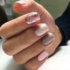 Glitter square nail art designs are very suitable for all seasons. The glitter on the nails attract everyone's attention. You can try to design it with glitter golden nails. Glitters can be used on one nail because it looks more fashionable. Shellac Nail Designs, Manicure Colors, Shellac Nails, Nail Polish Colors, Pink Nails, Nails Design, Acrylic Nails, Manicure Glitter, Manicure Rosa