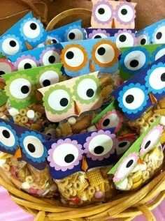 Owl favor toppers - fill with monster food and change top from owl to monster Owl Themed Parties, Owl Parties, Owl Birthday Parties, Baby Birthday, Birthday Ideas, Monster Party, Monster Food, Diy Cadeau, First Birthdays