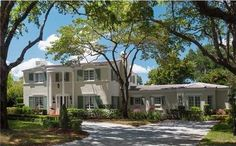 Home of the Week! Luxury Home at 3310 Alhambra Cir , Coral Gables. Call Juliet at to schedule an appointment today! Bedroom With Ensuite, Coral Gables, Keller Williams Realty, Luxury Living, Colonial, Luxury Homes, Miami, Home And Family, Real Estate