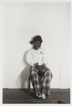 From The Broad Collection: Cindy Sherman, Untitled gelatin silver print, The Broad Art Foundation. Cindy Sherman Film Stills, Cindy Sherman Art, Lake Photography, History Of Photography, Photo Book, Photo Art, Untitled Film Stills, Modern Feminism, Gray Matters