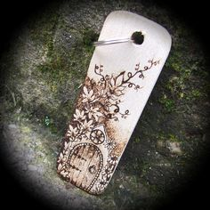 Arched Fairy Door Personalised Pyrography Wooden Keyring £7.95