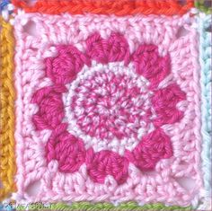 Daisy Granny Blanket by Natas Nest - free crochet pattern for the square in German and English