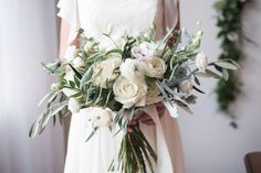 Verveine Studios collaborated with a team of Canadian vendors on this classic and elegant wedding inspiration that had the perfect amount of luxury.