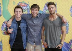 "@ Emblem3 - ""This DOES NOT mean Emblem3 will no longer be. The #Strombros started this band when we were 9 and 11 and we aren't going anywhere."" @ WesleyStromberg - ""It's Keaton + me + all emblems = EmblemThree"""