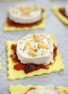 Tartlets with onion confit and goat cheese – 30 easy-to-make appetizer recipes – 30 easy recipes for a successful aperitif! Easy To Make Appetizers, Appetizer Recipes, Fingers Food, Cooking Time, Cooking Recipes, Snacks Für Party, Food Platters, Food Inspiration, Food Porn