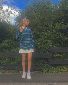 Collar Shirt With Sweater, Collared Shirt Outfits, Outfits With Striped Shirts, Layering Outfits, Basic Outfits, New Outfits, Cute Outfits, Fashion Outfits, Tomboy Fashion