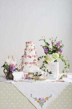 Rose and Berries Wedding cake