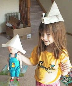 Fun children's crafts, including printable craft templates, for preschool, kindergarten and elementary school kids. Newspaper Hat, Underwater Birthday, Sailing Theme, Hat Day, Pirate Day, Hat Crafts, Printable Crafts, Preschool Art, 3rd Birthday Parties