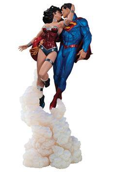 """Mundo Superman: Figura de """"El beso"""" de Superman y Wonder Woman de La Liga de Justicia de Los Nuevos 52"""