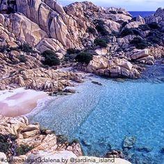 Cominciamo a sognare l'estate con questa bellissima immagine di Cala Coticcio…