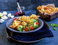 Wontonsalat Wontons, Pasta Salad, Bacon, Ethnic Recipes, Food, Spinach, Crab Pasta Salad, Essen, Meals