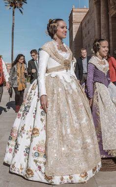 Colonial Dresses, Steampunk Halloween, European Dress, Smart Girls, Historical Costume, Marie Antoinette, Rococo, Ball Dresses, Modern Fashion
