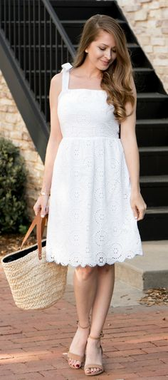 White Eyelet Dress from Sugarlips / Marleylilly Monogrammed Straw Tote / Spring Style / Fashion / Outfit Ideas