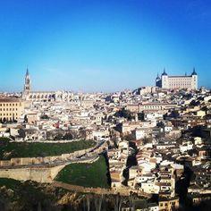 Toledo #viajar #disfrutar #ocio #travel #experienciasunicas #experiencias #planes #amigos #trip #descubrir #thingstodoinspain #friends #share #trip #yuniqtrip #unique #enjoy #visit #visitspain #planesdiferentes #viajando #viajes #turismospain #cultura #instatrip #travelpics #travelphoto #toledo