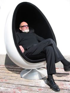 Read the story of the retro-futuristic 1968 Ovalia Egg Chair, designed by Henrik Thor-Larsen.