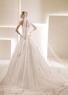 Kitty Chen: 'La Sposa Selecta' Wedding dress