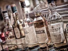 Edle Tropfen bestens gereift im #Wellnesshotel #Bergland im #Zillertal #whisky #whiskey #wellnesshotel-bergland #restaurant #weinbegleitung #weinsommelier #weinkeller #essen #speisen #dinner #cocktails #energiedrinks #energydrinks