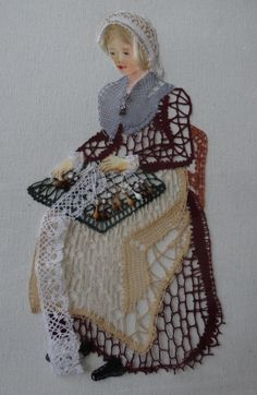 jaclinepeter-dentelles.over-blog.com Bobbin Lacemaking, Types Of Lace, Lace Art, Crochet Doll Dress, Bobbin Lace Patterns, Lace Jewelry, Needle Lace, Lace Making, Lace Detail