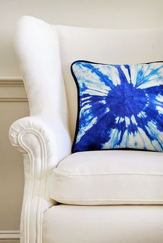 DIY: modern tie dye pillow