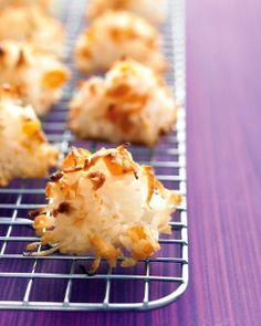 One-Bowl Baking Wonders // Coconut-Apricot Macaroons Recipe