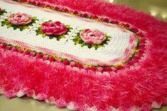 Artesanato com amor...by Lu Guimarães: Tapete de crochê oval com flores