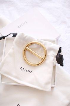 The Celine Box Bag and Celine Barrette - Win Your Own! - Inthefrow - The Celine Box Bag and Celine Barrette – Win Your Own! Cute Packaging, Jewelry Packaging, Celine Box, Packing Jewelry, Jewelry Stores Near Me, Jewelry Logo, Jewelry Bracelets, E Commerce, Packaging Design Inspiration