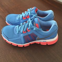 Nike Dual Fusion Nike Dual Fusion ST2. Like New!! Wore one time. Excellent Condition. Size 9 Nike Shoes Athletic Shoes